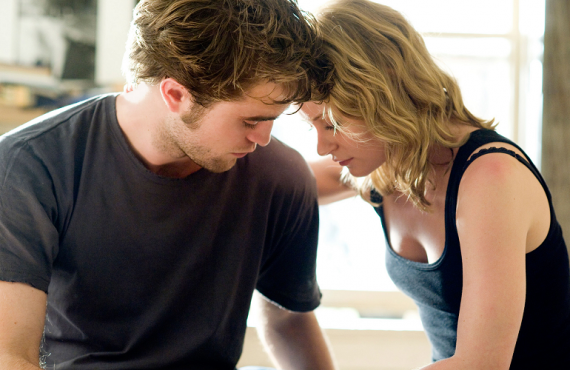 Robert Pattinson Stars in Remember Me