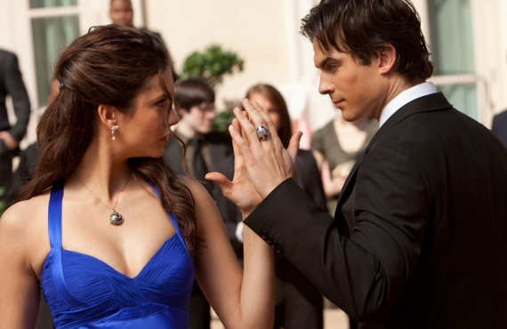 Elena and Damon Heat Up The Vampire Diaries TONIGHT!