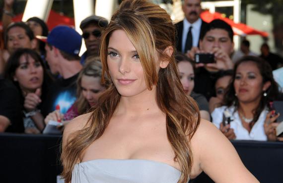 'Eclipse' LA Premiere: Ashley Greene's Shocking Alexis Mabille Gown