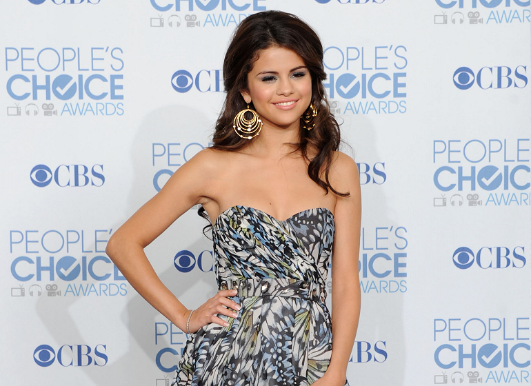 Top 5 Best Dressed Picks: 2011 People's Choice Awards