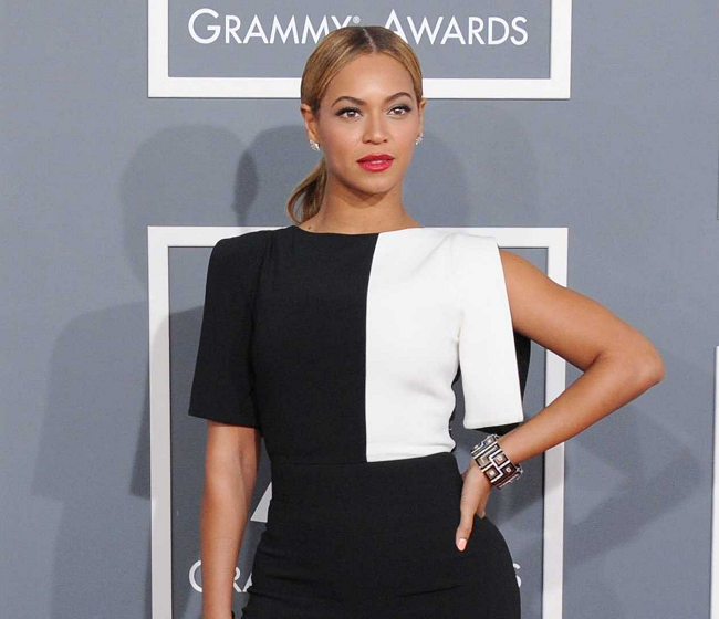 POLL: Who Was 'Best Dressed' at the 55th Annual Grammy Awards?